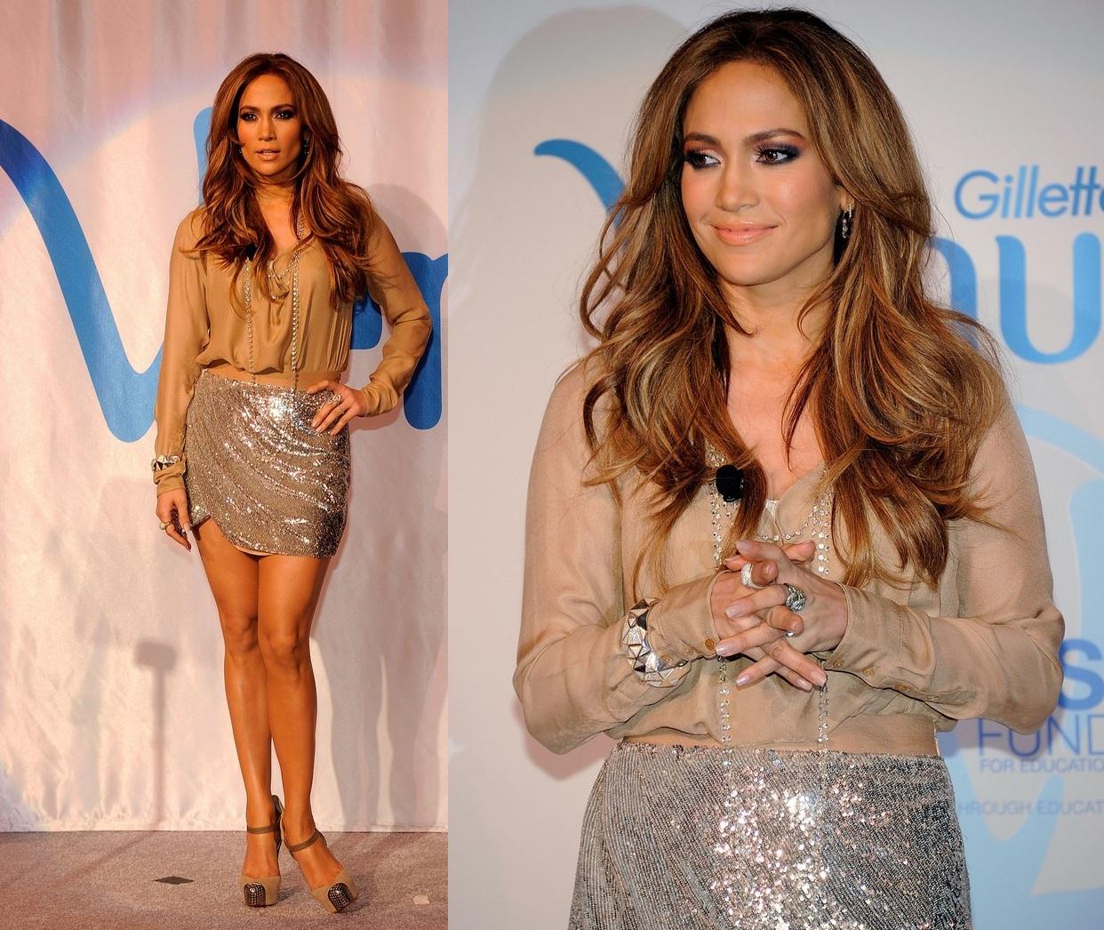 http://2.bp.blogspot.com/_wstTDai4HKA/TUovfUkn5JI/AAAAAAAAFgM/hOU6zWiSrY8/s1600/Jennifer+Lopez+Nude+Top+%2526++Sequin+Skirt.jpg