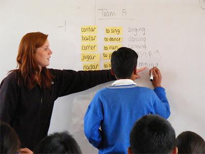 maestra+alumno+pizarron