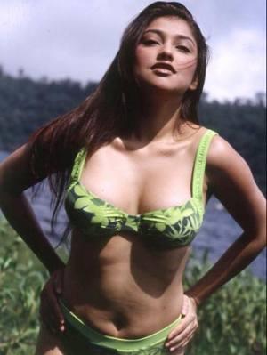 Sarah Azhari Bugil