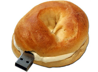 Croissant USB flash drive