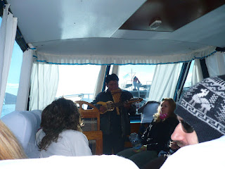 Live music on tour boat