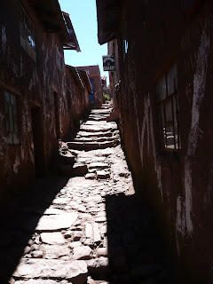 Narrow alley on Taquile island