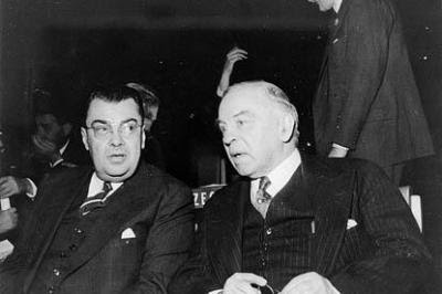 Hon. Paul Martin (left) and Rt. Hon. W.L. Mackenzie King attending the opening session of the United Nations General Assembly, 23 October 1946