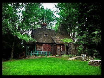 zuckerberg island chapel house