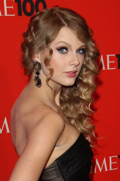 taylor swift straight hair ama. {this was her at the AMA#39;s