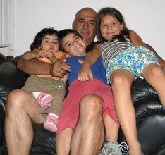 En casa de mi Hija con mis 3 Nietos