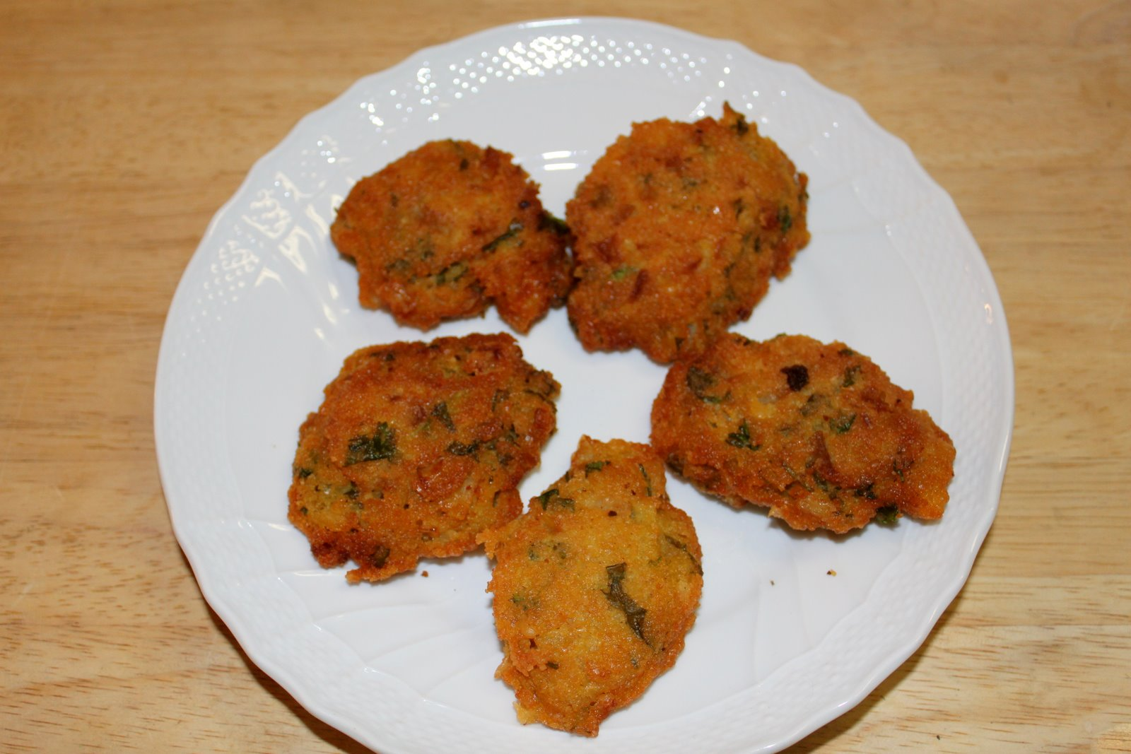 My sister in law, who is Bengali, made these wonderful fried lentils ...