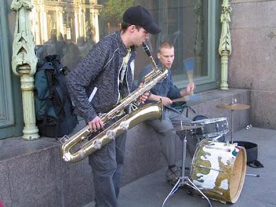 Ilia Belorukov y el batería Pavel Mikheev