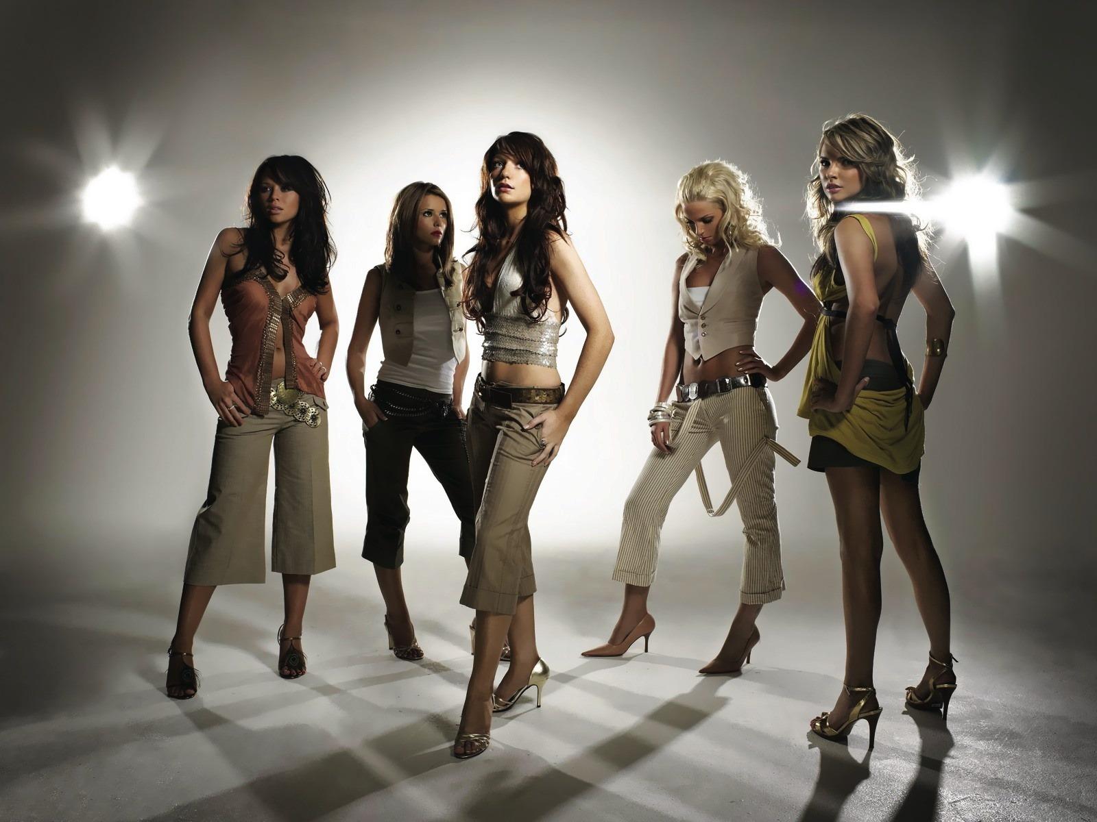 http://2.bp.blogspot.com/_x-TAOqqJ4G8/S6nkf03HnII/AAAAAAAACR0/QSnTsxpxZho/s1600/girls_aloud.jpg