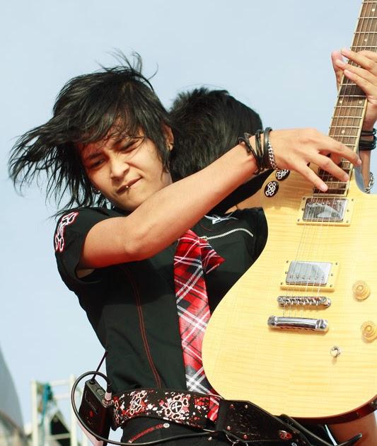 Chord Gitar Kerispatih Demi Cinta G: Chord Lagu Munajat Cinta