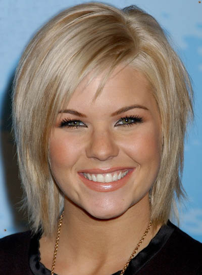 blonde hairstyles with side fringe. side fringe hairstyle.