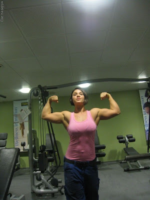 Nangi Ladkiyan http://desimasalaboards.blogspot.com/2009/06/women-body-builders-ugly-or-attractive.html