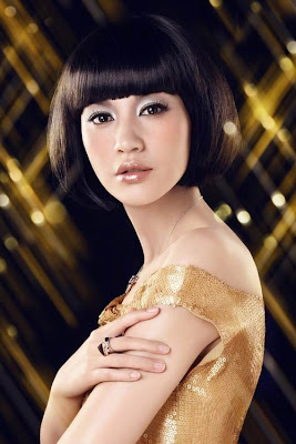 black short hairstyle with blunt bangs. The various face shape can find the