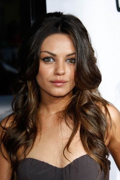 Mila+Kunis+wavy+hairstyle Styles and Fashions For Wavy Hair