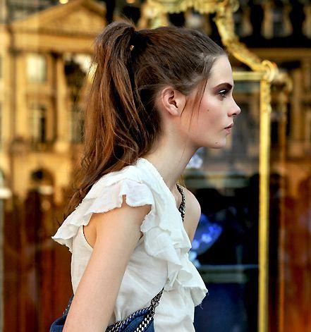 in hairstyles for 2011 women. short haircuts 2011 women.