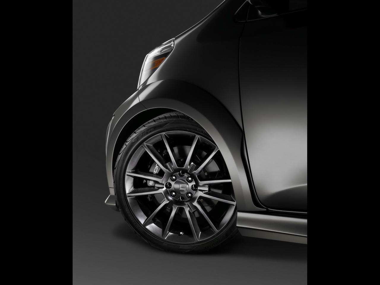 http://2.bp.blogspot.com/_x3kR7QRQA0s/S8E-nfYJrOI/AAAAAAAACCM/P41sqrqphRw/s1600/2011-Scion-IQ-Show-Car-by-Five-Axis-Wheel-1280x960.jpg