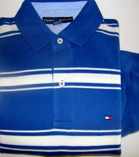 f998846b25 Roupa Masculina - Polo Listrada TOMMY HILFIGER - Azul e Creme de Mangas  Compridas. Camiseta Polo Listrada