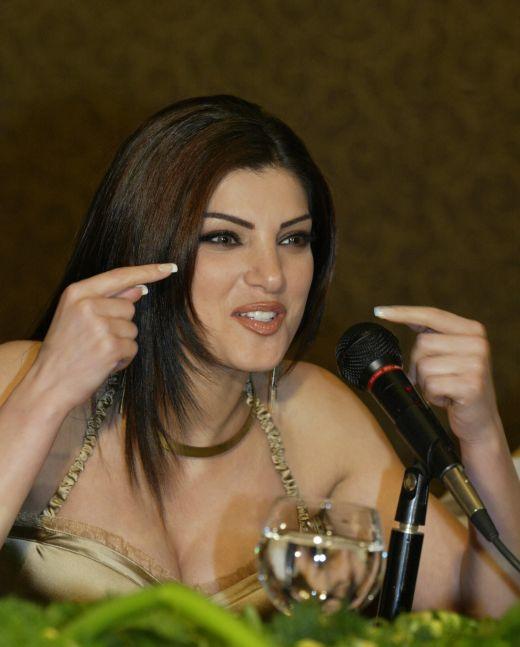 http://2.bp.blogspot.com/_x4wNySecnJQ/S-eP7c5PXlI/AAAAAAAAJkI/0ccKI433ugA/s1600/Beautiful+Arab+Girls+5-761350.jpg
