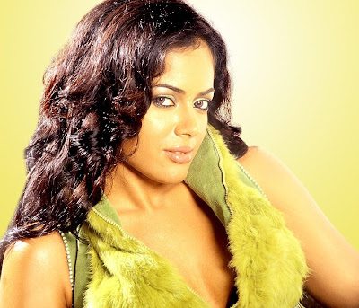 actress fakes nude images of namrata shirodkar celebritypi