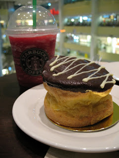 Raspberry Iced Tea and Cream Puff