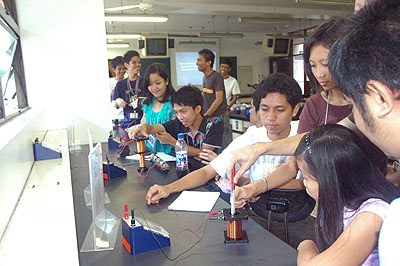 2009 Summer Enrichment Program for Physics Majors