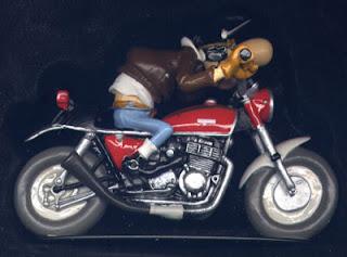 edouard bracame moto figurine