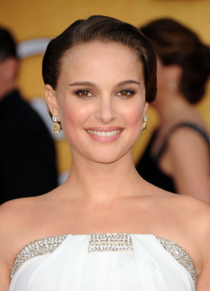 Natalie Portman Oscars Dress 2011. Contains natalie