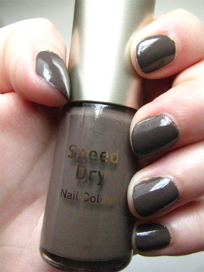 London Beauty Review: NOTD: No.7's super dupe-r greige, plus new