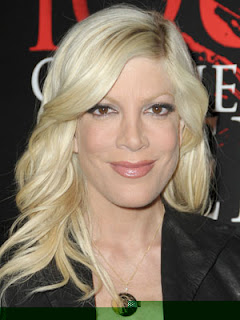 Tori Spelling Hairstyle Pic