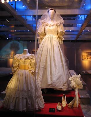 queen elizabeth 2 wedding. queen elizabeth 2 wedding.
