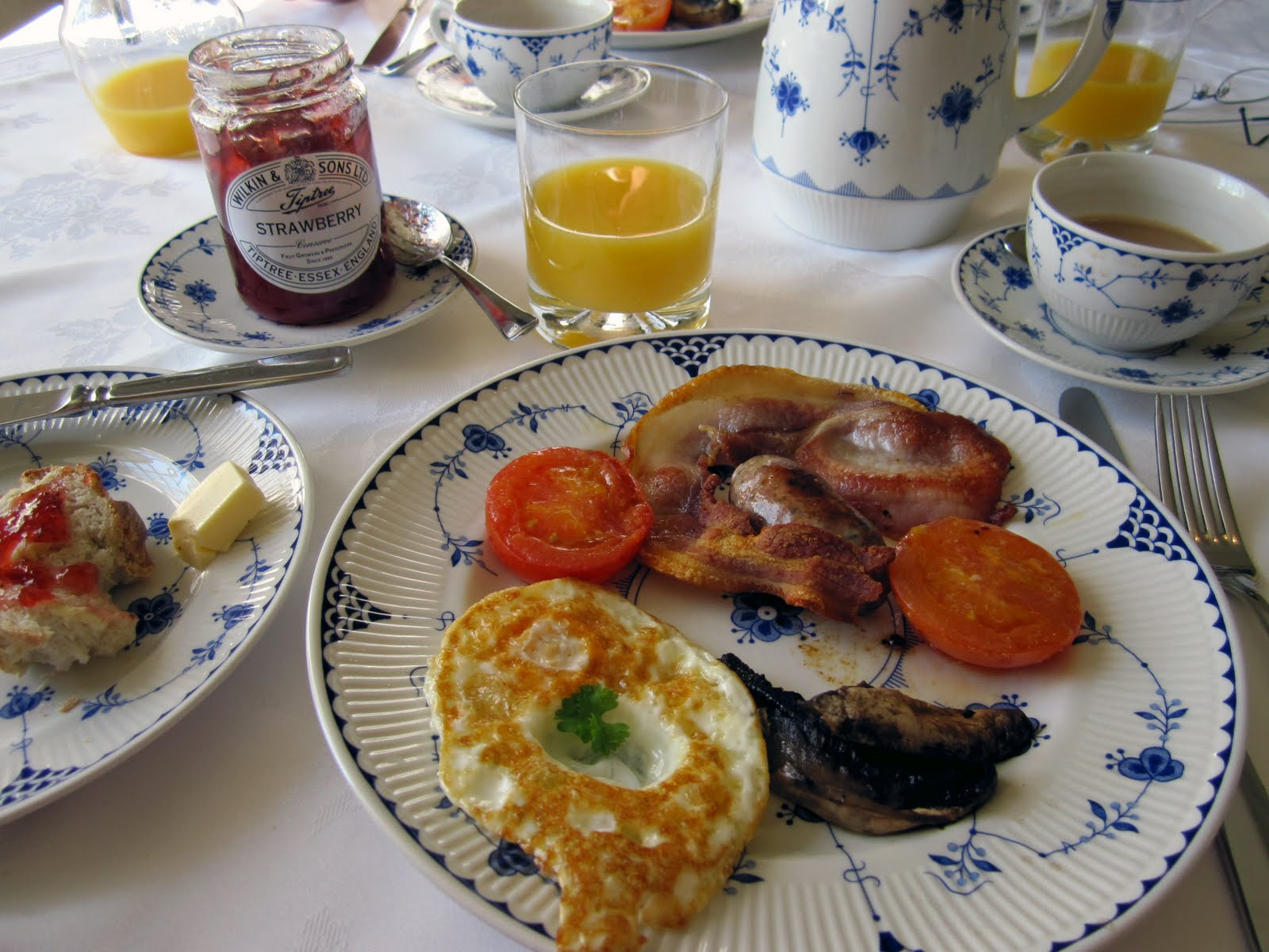 ... of Delight...Anne Reeves: Visiting England: Full English Breakfast