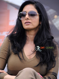 Old actress Sri Devi glamour Photos5