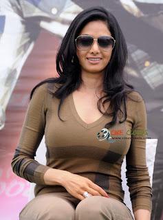 Old actress Sri Devi latest Photos32