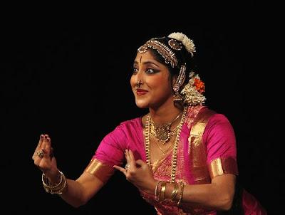 lakshmi gopalaswami navel showLakshmi Gopalaswami Navel Show