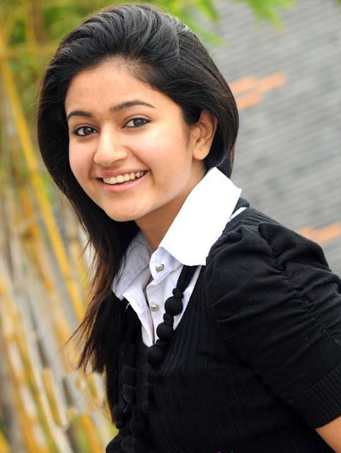 poonam bajwa in black dress