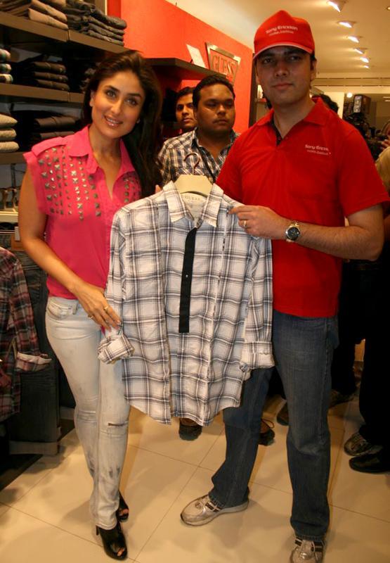 Kareena in Pink glamour images