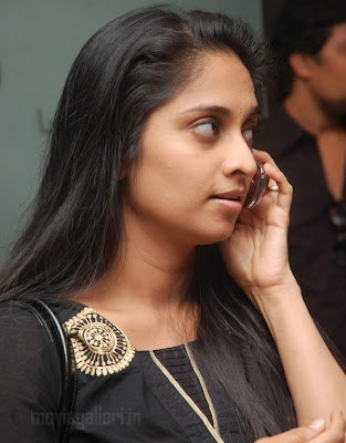 Shalini Ajith Latest Photos wallpapers