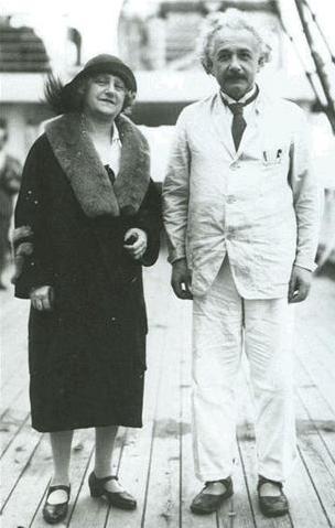 Einstein e sua esposa querida.