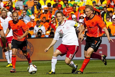 Holanda 2 Dinamarca 0 Goles Video y Mejores Jugadas