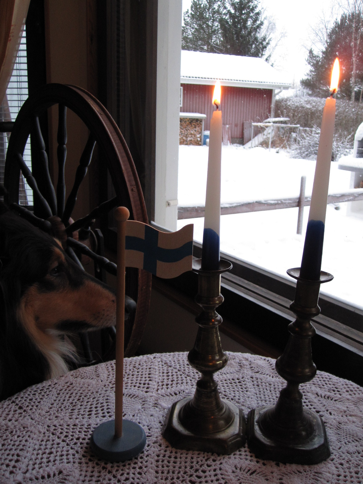 itsenäisyyspäivä kaksi kynttilää