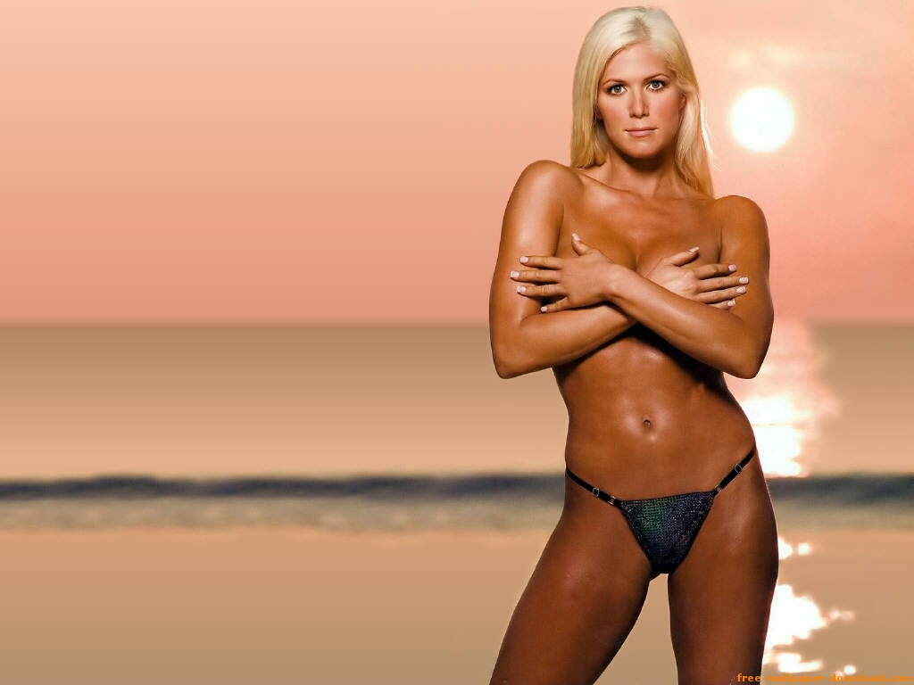 Celebrity wallpapers wwe diva torrie wilson hot wallpapers for Hottest wwe diva