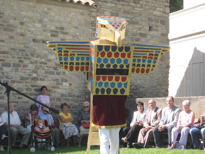 El Falcó Horus dansant el seu ball de lluïment
