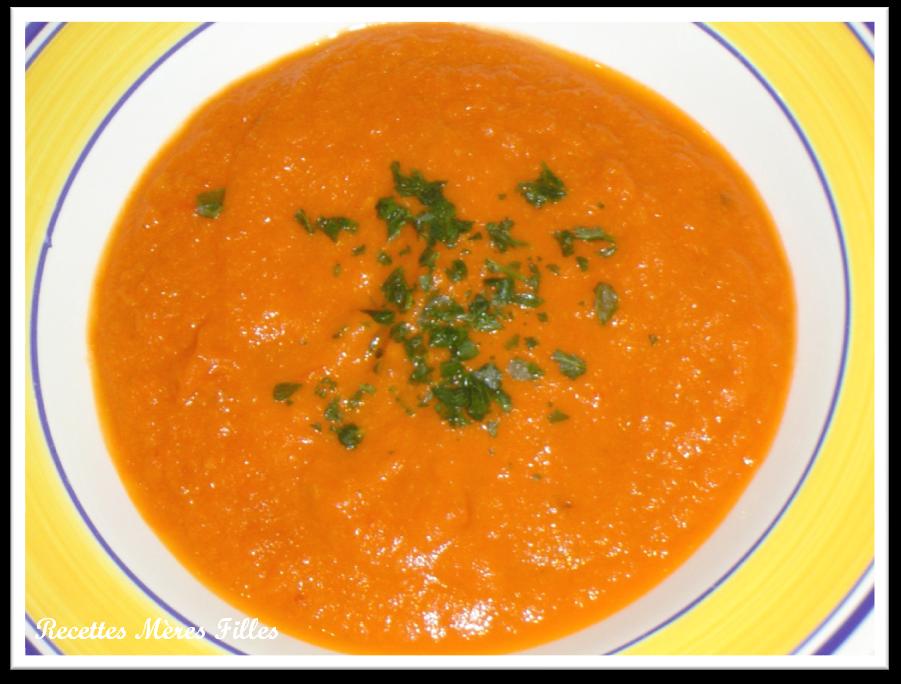 la recette soupe soupe la tomate recettes m res filles. Black Bedroom Furniture Sets. Home Design Ideas