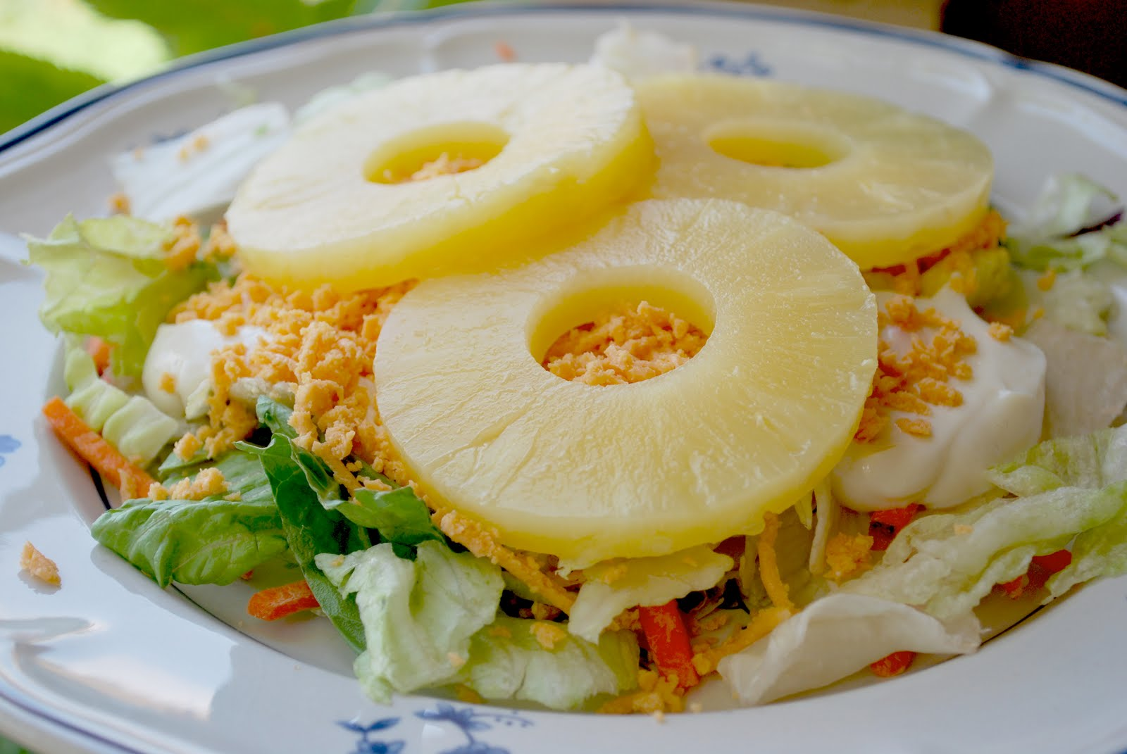 Салат курица сыр консервированные ананасы