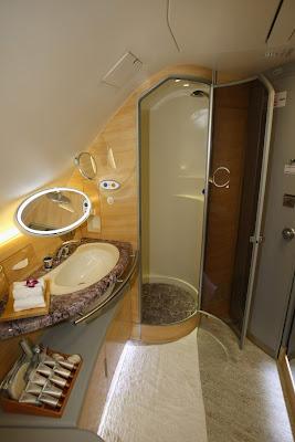 Joe Sharkey.com: Emirates A380 Shower