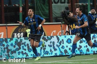 adriano scores against sampdoria