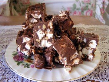[marshmallowcookiesplate.jpg]