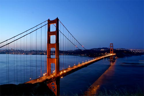 Golden Gate Bridge before sunrise by Georgio