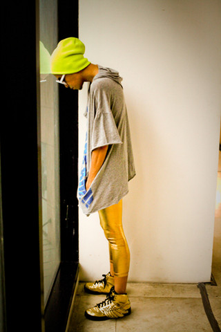 [gold+leggins]