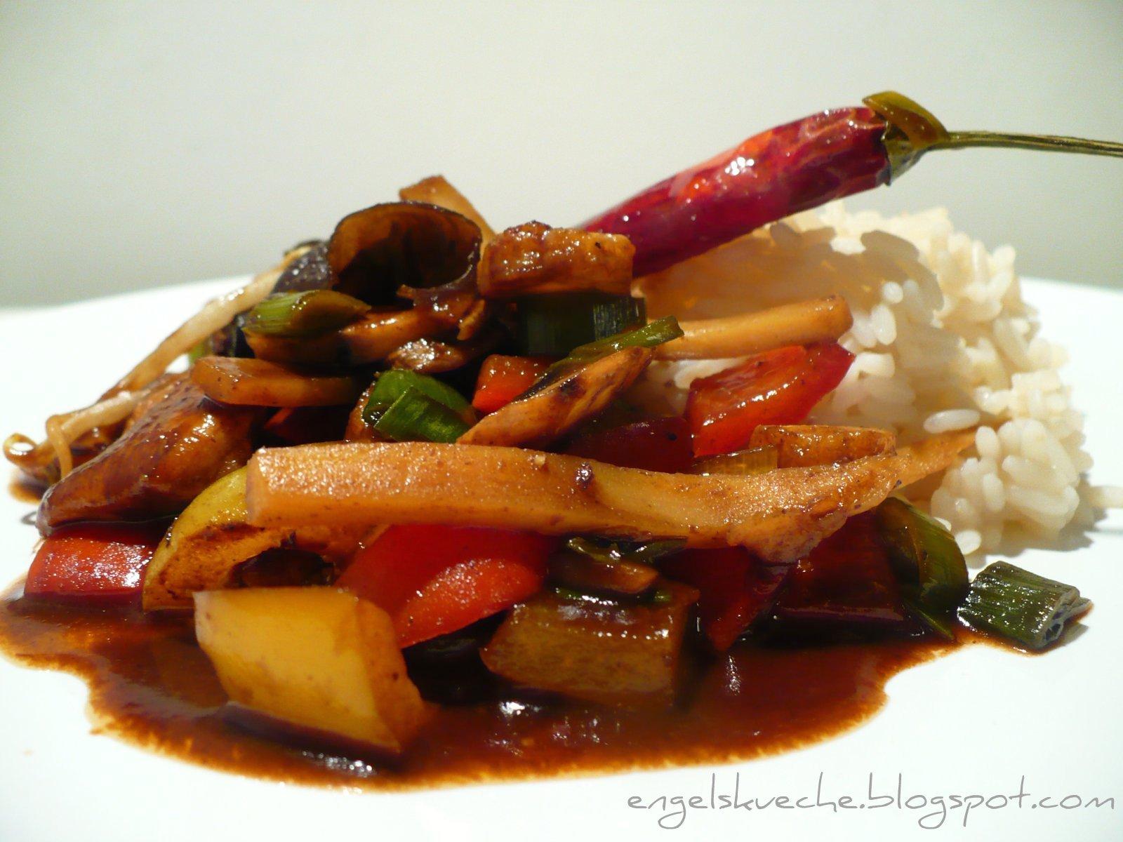 Essen aus Engelchens Küche: Scharfes Hühnchen und Gemüse in Hoi Sin ...